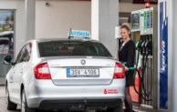 Benzina a Autoklub České republiky pomáhají žákům autoškol zvládnout zastávku na čerpací stanici