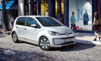 Elektroauto by na jízdu do práce volila polovina Čechů