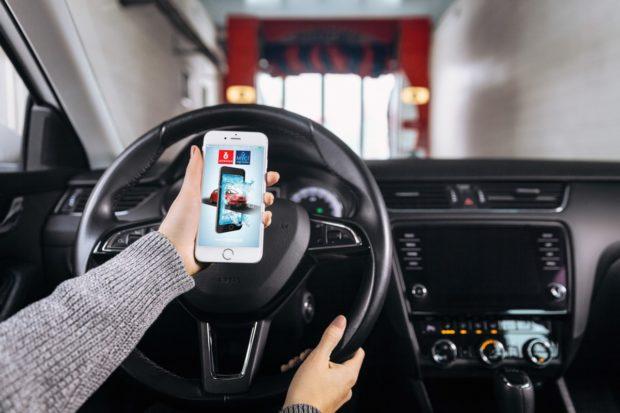 Benzina spustila aplikaci Mycí digi linka, auto pozná podle SPZ