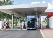 Benzina nabízí samoobslužné oboustranné tankování pro nákladní automobily