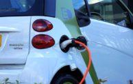 Síť dobíjecích stanic pro elektrokola a elektromobily rozšiřuje také Billa