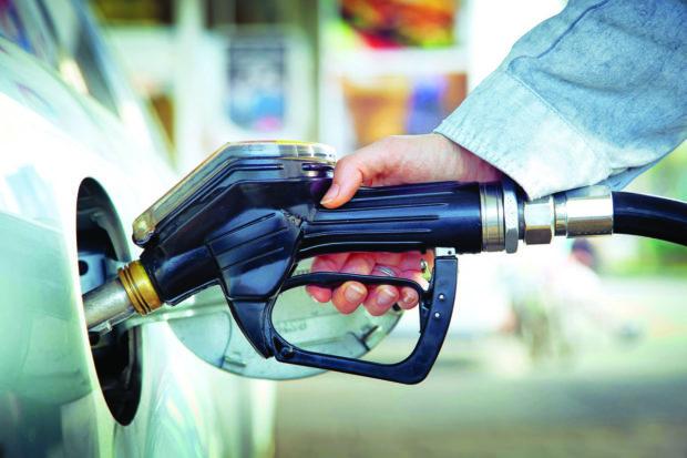 Česko je osmou nejlevnější zemí s benzinem v EU