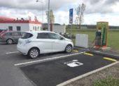 Unipetrol aČEZ rozšiřují nabídku sítě Benzina o elektrickou energii