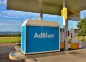 Přibývá čerpacích stanic, kde lze AdBlue tankovat ze stojanu
