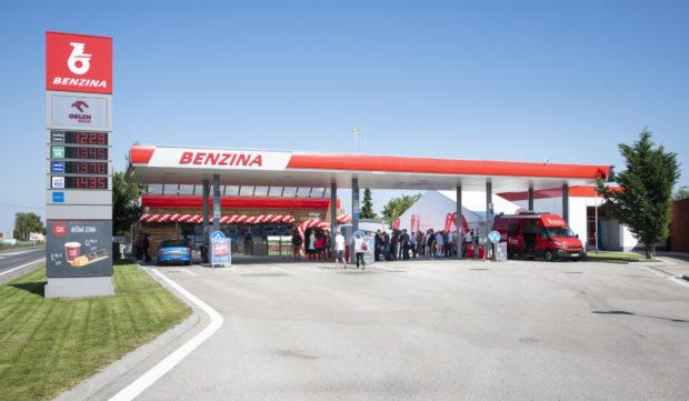 Benzina na Slovensku přebírá sedm čerpacích stanic