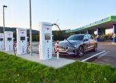 Nejvýkonnější rychlonabíjecí stanice v ČR je u Berouna
