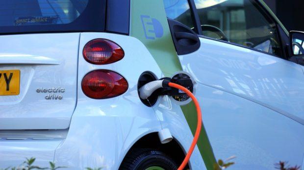 O dotaci na elektromobil lze žádat do května