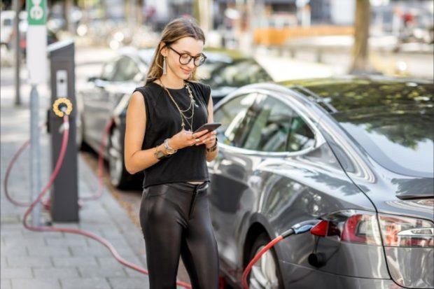 EY: Od nákupu elektromobilu odrazuje hlavně vyšší pořizovací cena