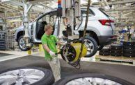 Výroba osobních aut v Česku loni klesla o 19,2 procenta na 1,15 milionu vozů